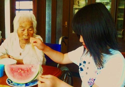 おばあちゃんと映夕.jpg
